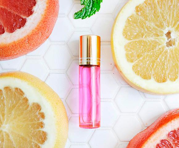Os melhores perfumes importados cítricos estão na Sieno Perfumaria